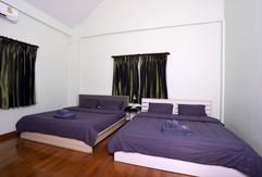 Jomtien 4 Bedrooms Pool Villa Sale (1).j