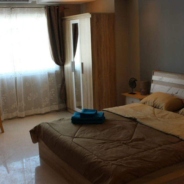 12 Rooms Guesthouse for Sale (10).jpg