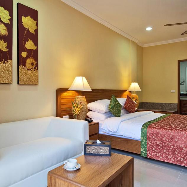 42 Room Resort Style Hotel (8).jpg