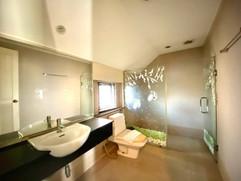 12m THB 3 Bedroom Villa North Pattaya (8).jpg