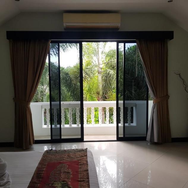 3 Bedroom Pool Villa resale  (10).jpg