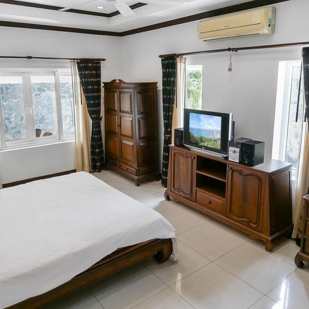 5 Bedroom Pool Villa East Pattaya (4).jp