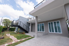 Na Jomtien High End Pool Villa in Villag