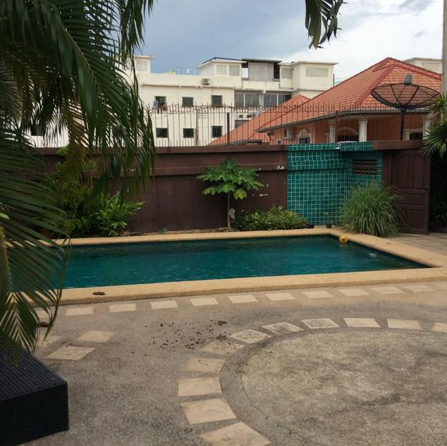 Pool Villa Bargain (5).jpg