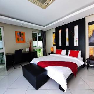 Modern 5 Bedroom Pool Villa in Village for Sale (4).jpg
