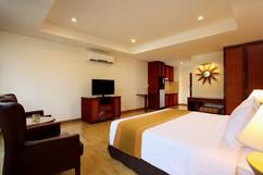 95 Room Hotel Pattaya City for Sale (1).jpg