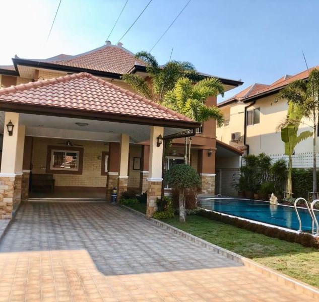 Center Pattaya 5 Bedroom Pool Villa (3).