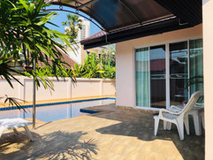 Jomtien 3 Bedroom Pool Villa (2).jpg
