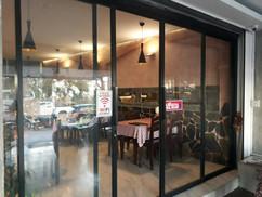 Restaurant near beach (27).jpg