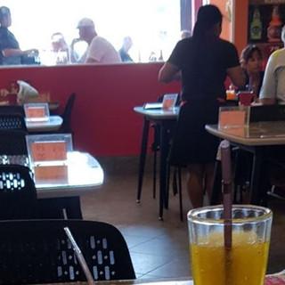 Bhua Kao Restaurant 9 Room Guesthouse Ta