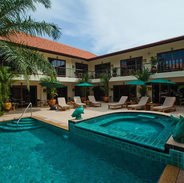 42 Room Resort Style Hotel (24).jpg