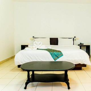 22 Room Hotels + Restaurant Take Over (1