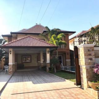 Center Pattaya 5 Bedroom Pool Villa (1).