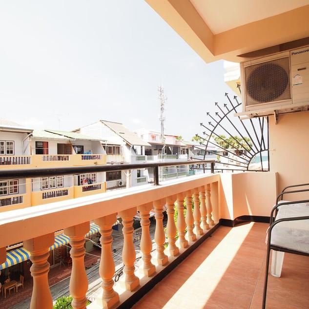 15 Room Guesthouse Jomtien (15).jpg