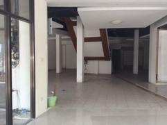 Large building for rent (7).JPG