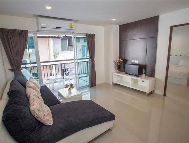 79 Room Luxe Hotel (15).jpg