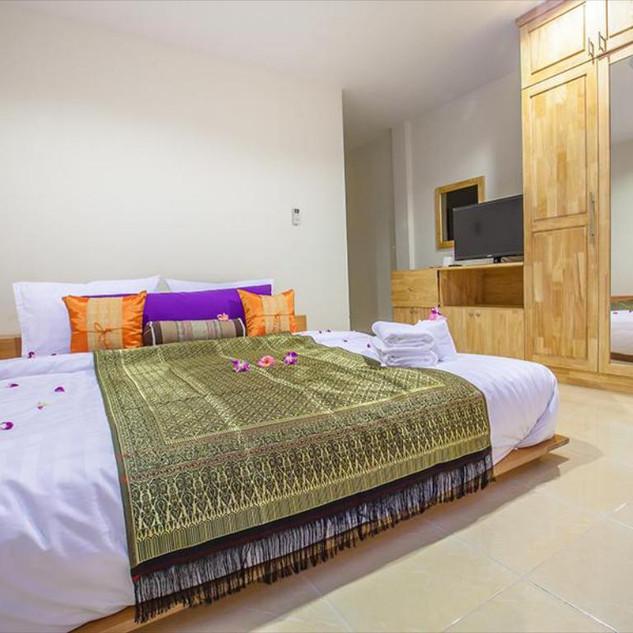 5 Bedroom  Guesthouse (2).jpg