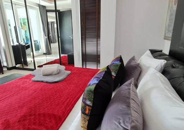 Jomtien Luxurious 5 Bedroom Villa (7).jp