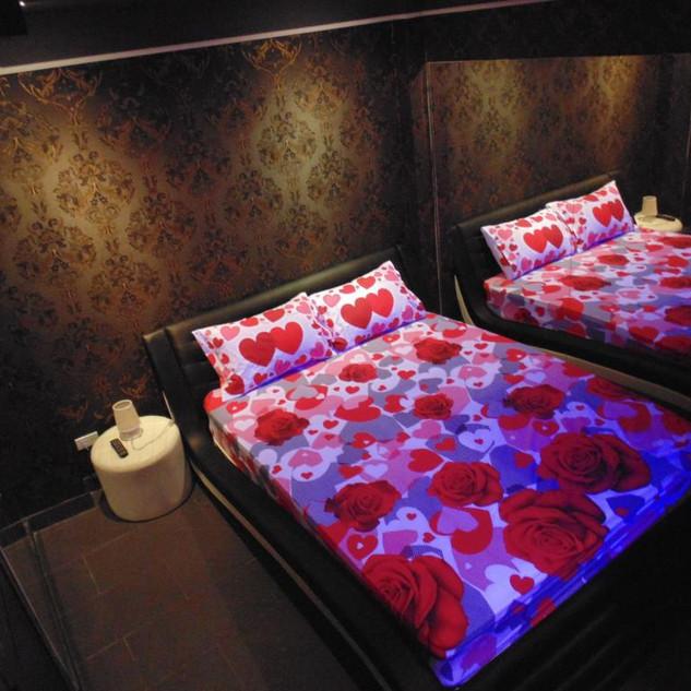 12 Room hotel (19).jpg