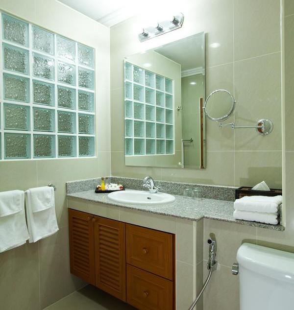 42 Room Resort Style Hotel (14).jpg