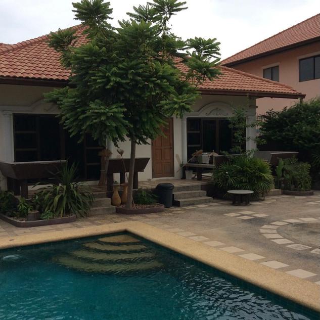 Pool Villa Bargain (10).jpg