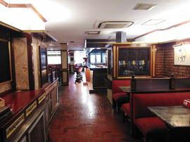 British-style Dining Bar Take Over (5).j
