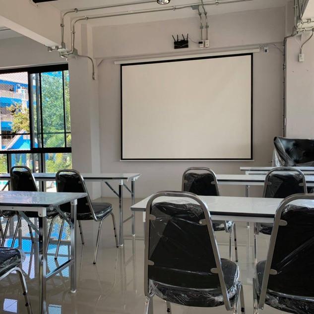 Meeting Room (2).jpg