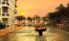 Beach Front Hotel (1).jpg