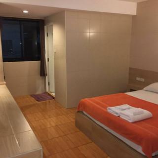 Pattaya City Modern 16 Room HotelRestaurant (13).jpg