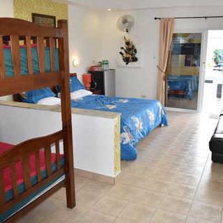 10 Room Pool Villa Na Jomtien (36).jpg