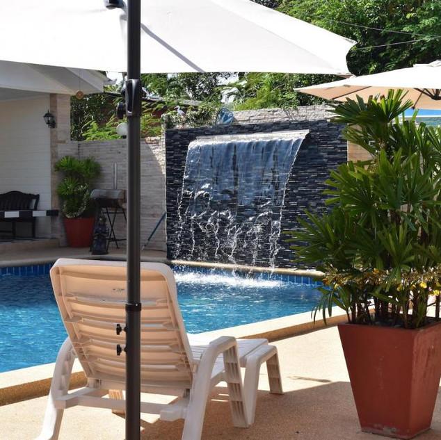 10 Room Pool Villa Na Jomtien (25).jpg