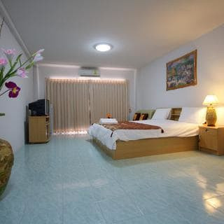 Pattaya off Bhua Kao 30 Rooms Hotel Sale