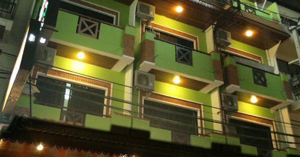32 Room Hotel Bar Restaurant (3).jpg