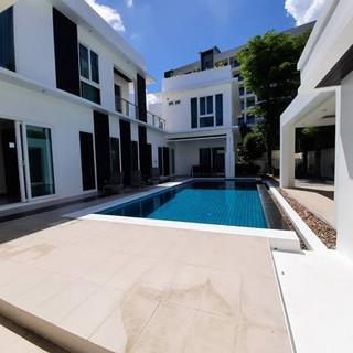 Modern 5 Bedroom Pool Villa in Village for Sale (1).jpg