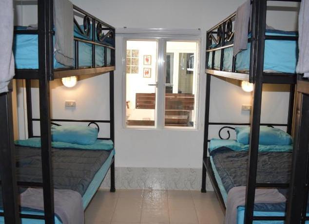 10 Room Pool Villa Na Jomtien (1).jpg