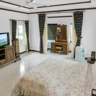5 Bedroom Pool Villa East Pattaya (17).j