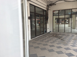 Large building for rent (3).JPG