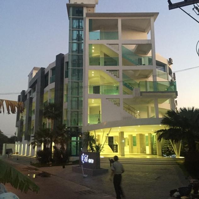 High End Resort Sale (1).jpg