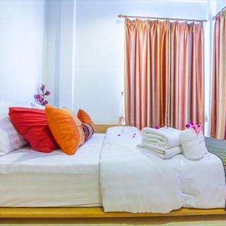 5 Bedroom  Guesthouse (4).jpg