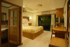 32 Room Hotel Bar Restaurant (28).jpg