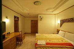 32 Room Hotel Bar Restaurant (29).jpg