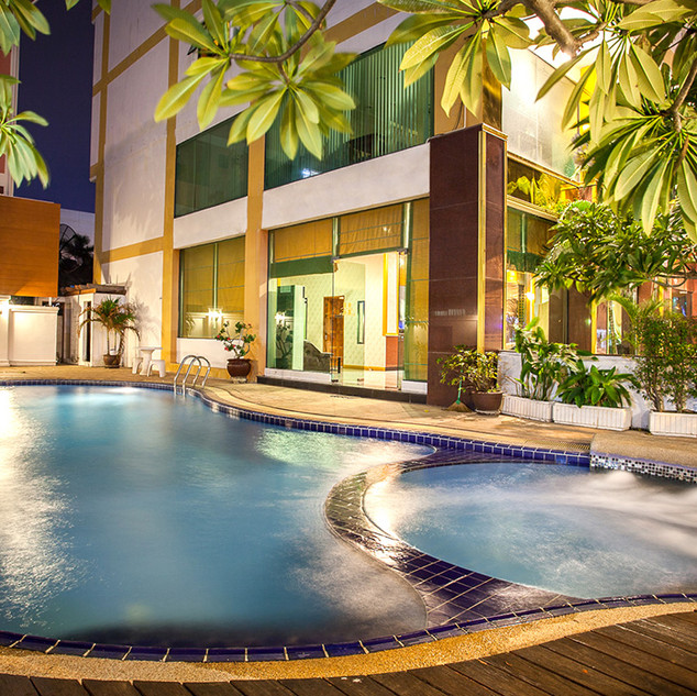 56 Rooms Hotel (23).jpg