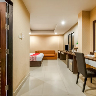 18 Rooms Hotel with Café and bar for Ren