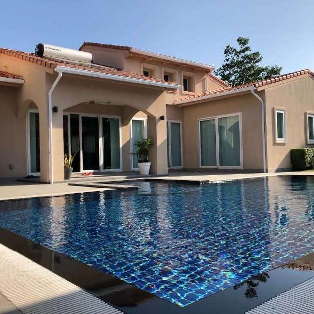 East Pattaya Luxurious Pool Villa  (15).
