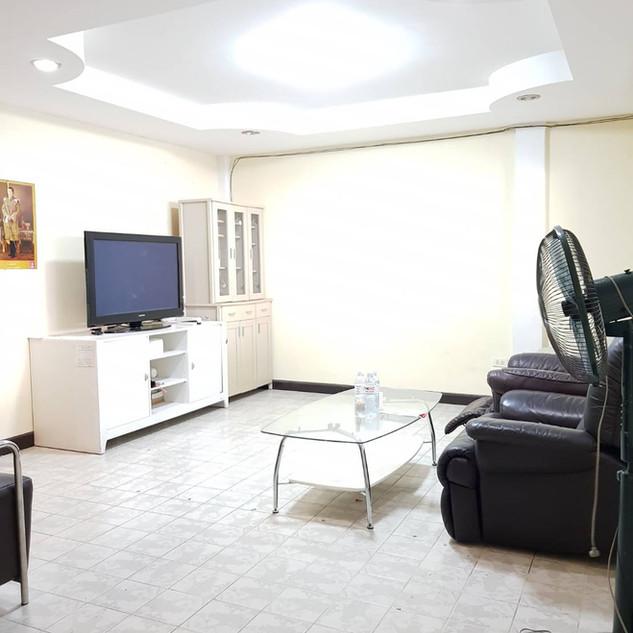 4 Bedroom House Center Pattaya (18).jpg