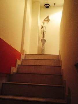 8 Rooms Guesthouse (20).jpg