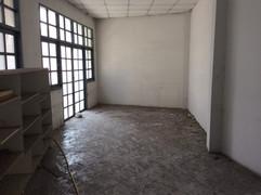 Large building for rent (21).JPG