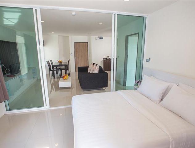 79 Room Luxe Hotel (11).jpg