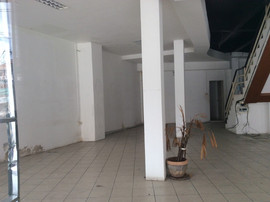 Large building for rent (4).JPG
