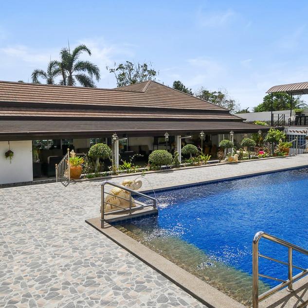 5 Bedroom Pool Villa East Pattaya (30) -